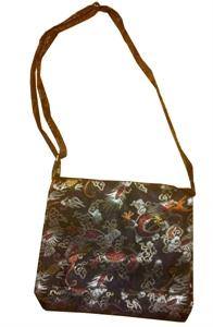 Bild von Seidenhandtasche schwarz mit Drachen